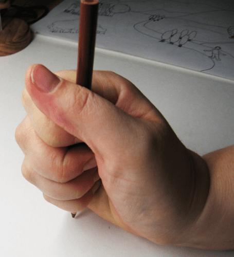 Buntstift falsche Stifthaltung 1